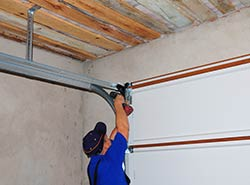 Garage Door & Opener Repairs Palos Hills, IL 708-252-3921